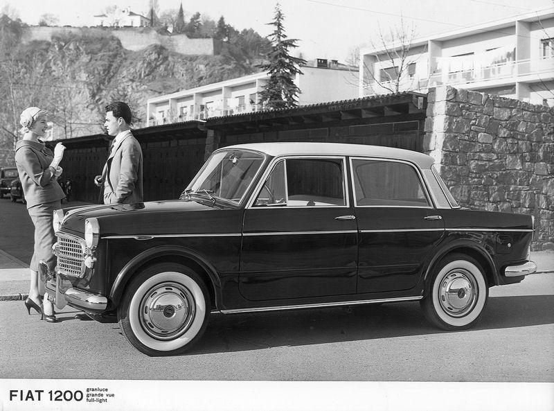 ... Überarbeitungen kam der neue Fiat 1200 Spyder 1957 auf den Markt